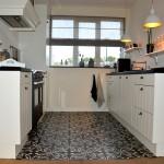 Keuken landelijke stijl 2 kanten opstelling