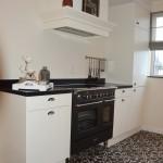 Keuken landelijke stijl met inductie fornuis