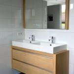 Badkamermeubel eiken gebeitst + spiegelkast inbouw