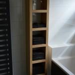 Badkamermeubel handdoekenkast eiken gebeitst